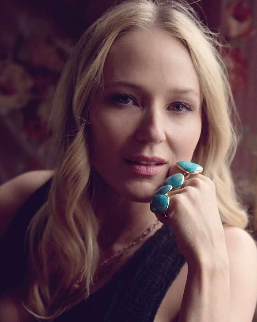 Jewel Kilcher Biography, Age, Career, Family, Mother, House, Songs, Husband, Net Worth