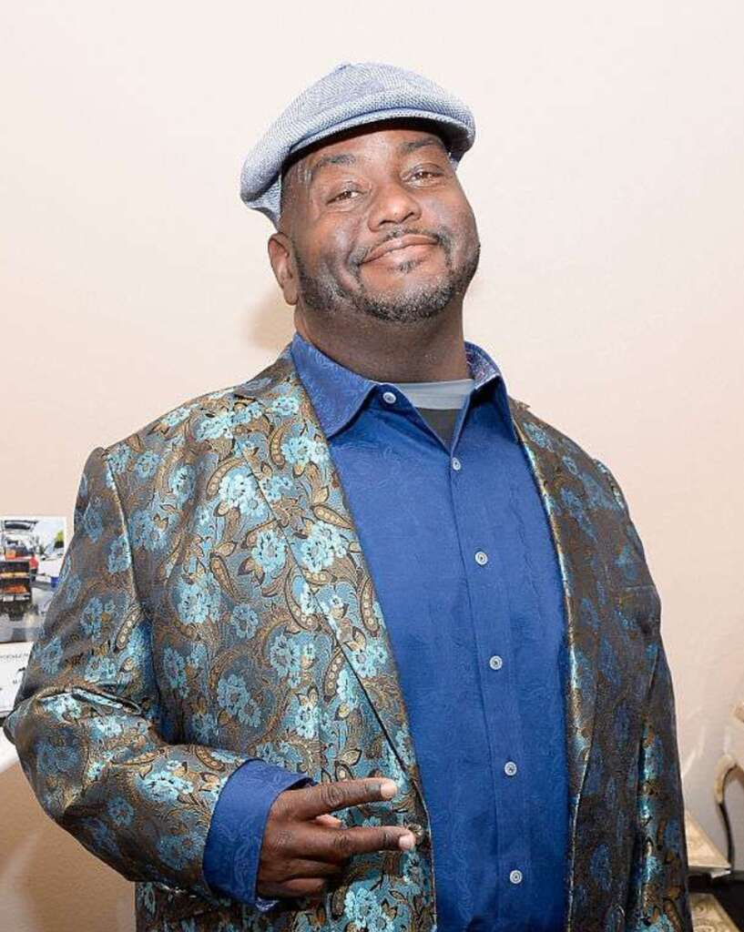 Lavell Crawford Biography, Age, Career, Family, Wife, Weight Loss, Movies, Net Worth